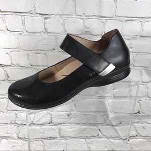 Dansko Mary Jane slip on shoes sz 39
